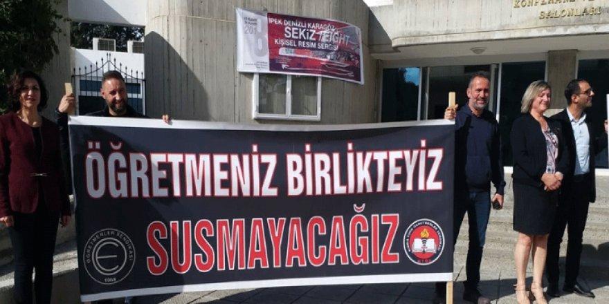 ÖĞRETMEN SENDİKALARI PANKARTLI EYLEM YAPTI!
