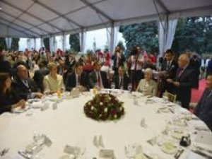 MECLİS BAŞKANI BOZER, AGİTPA TOPLANTISINDAN DÖNDÜ