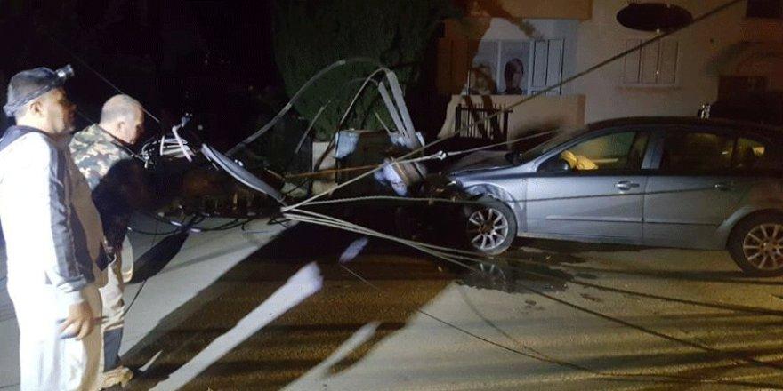 Trafik Kazası Elektrik Kesintisine Sebep Oldu