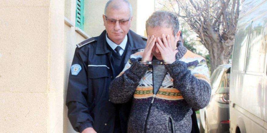Kuaförde Sapığa 4 Yıl Hapis