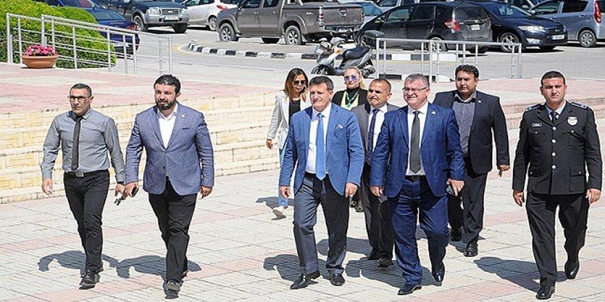 YDP'DEN MANAVOĞLU'NA ZİYARET