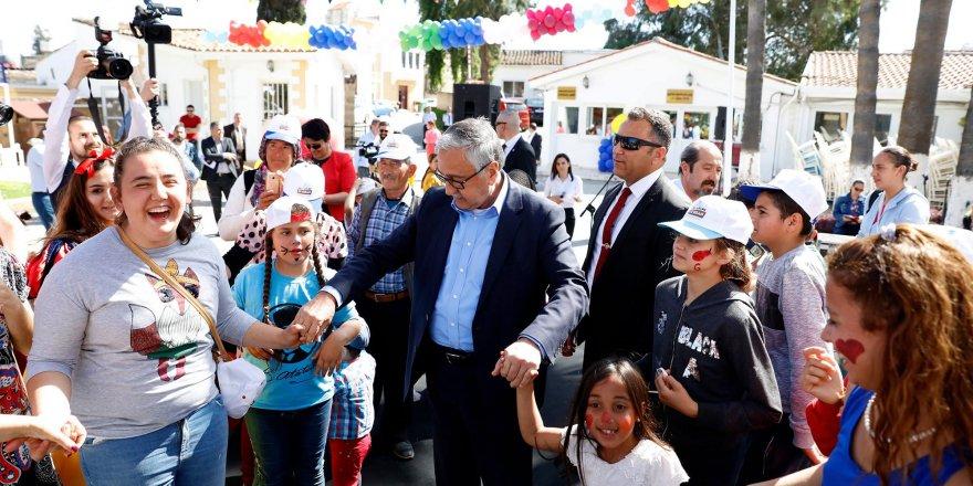 """Cumhurbaşkanlığı'nda """"Özel Eğitim Öğrencisi Özel Çocuklar Şenliği"""" düzenlendi"""