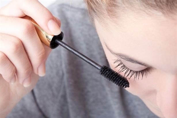 Kozmetik Ürünler Göz Alerjilerini Tetikliyor!