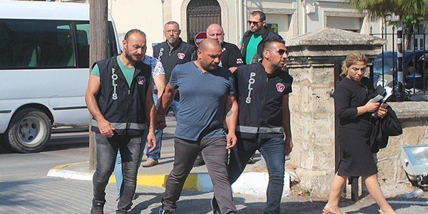  Polis ve arkadaşlarının zulası kabarık
