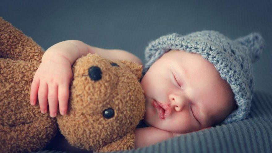 Bebeklerde uyku düzeni ne zaman başlar?