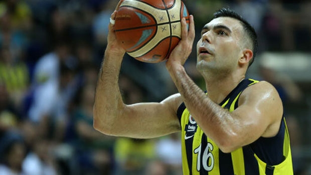 Fenerbahçe'den Barcelona'ya gidiyor!