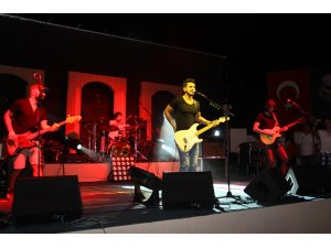 KOLPA 45'İNCİ GELENEKSEL İSKELE FESTİVALİ'NDE KONSER VERDİ