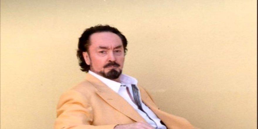 Adnan Oktar'ın cezaevindeki yeni görüntüleri ağızları açık bıraktı!