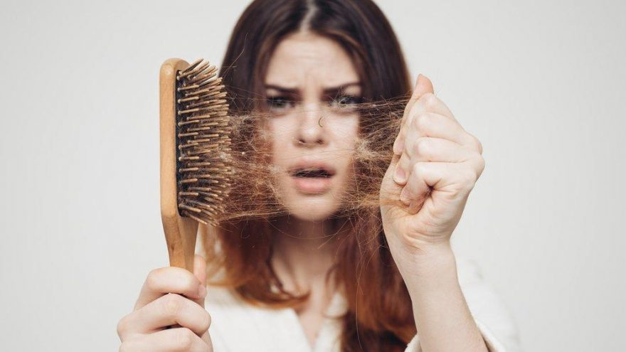 Uzamayan yıpranmış saçlara basit çözüm...