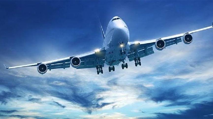 Pilot bayıldı, uçağı pilot olan bir yolcu indirdi!