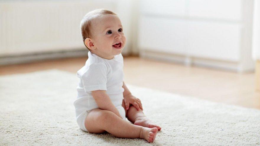 Bebek oturma aşamaları nasıl başlar?