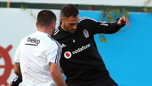 Wolves maçı öncesi Beşiktaş'a Victor Ruiz müjdesi!