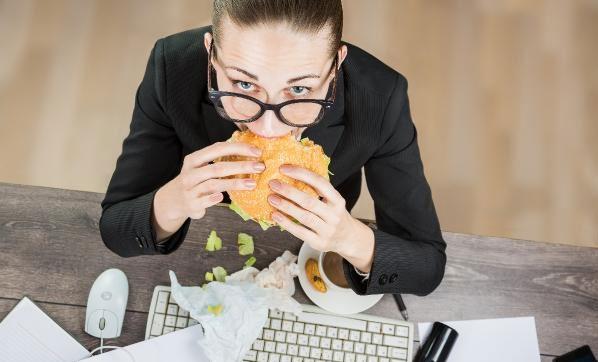 İş yerinde tükenmişlik sendromu kilo aldırıyor!