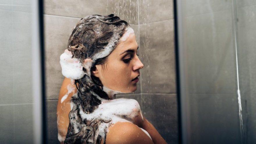 Saçını her gün yıkayanlara kötü haber!