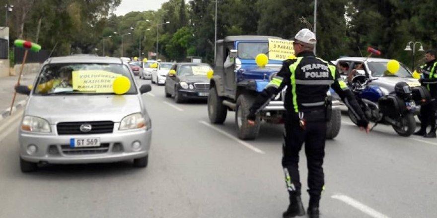 'Yol Yoksa Seyrüsefer De Yok' eyleminin üçüncüsü Meclis önünde yapılıyor