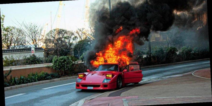 Alev alan Ferrari'yi bahçe hortumuyla söndürmeye çalıştı!