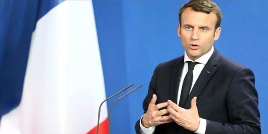 Macron: Esed rejiminin düzenlediği saldırılar insani bir skandal