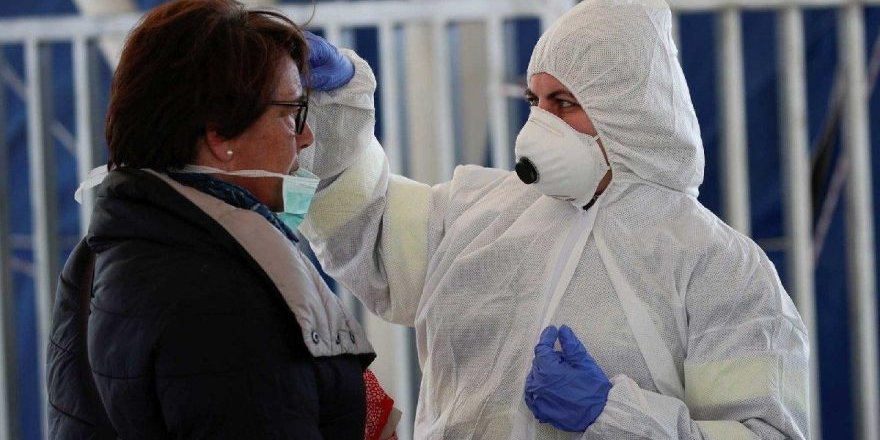 Bilim insanları, koronavirüsün vücutta ne kadar süre kaldığını açıkladı