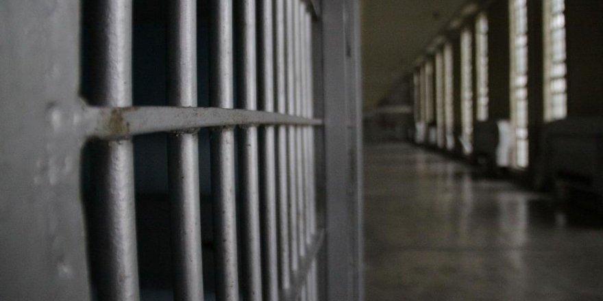 İran'dan mahkumlar için flaş corona kararı: Binlerce kişi serbest kaldı
