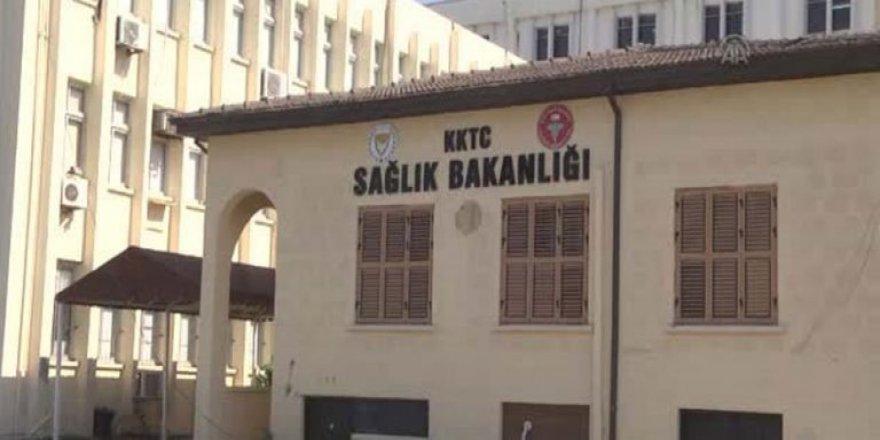 Sağlık Bakanlığı: Sağlık Bakanı ve tüm ekibi görevinin başındadır