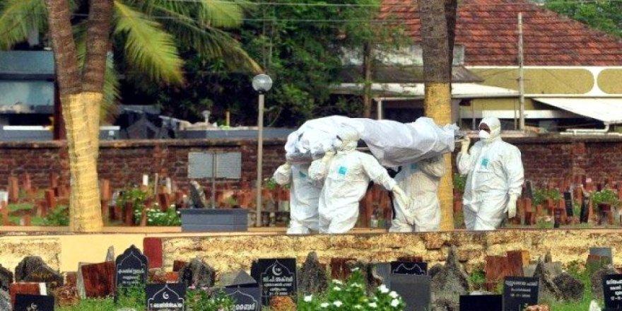 Dünya koronavirüsle mücadele ederken yeni salgın baş gösteri 176 ölü var!