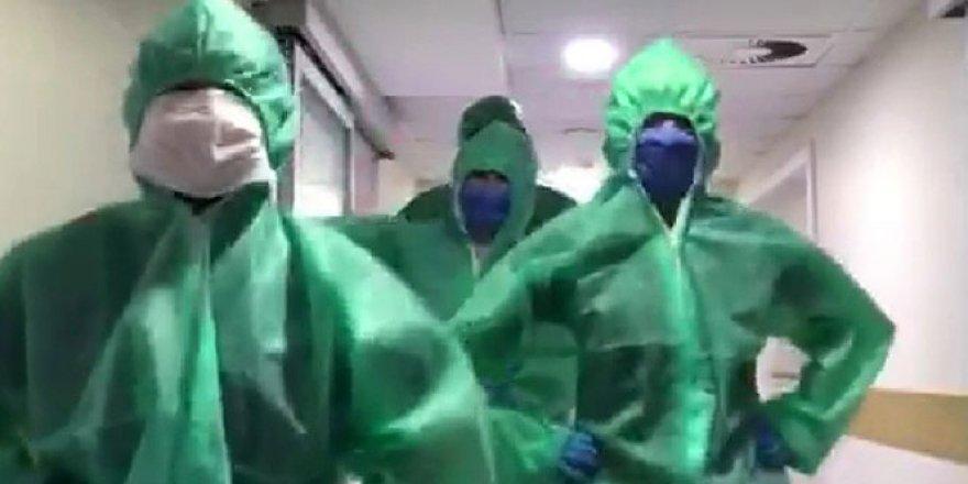 Ölümcül virüsle mücadele eden doktorların yaptığı penguen dansı, izlenme rekorları kırdı