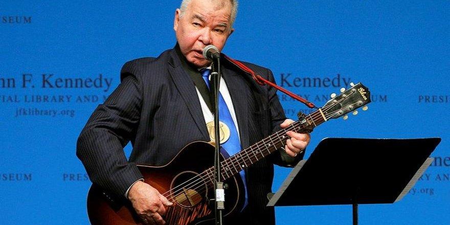Ünlü müzisyen corona virüsünden öldü