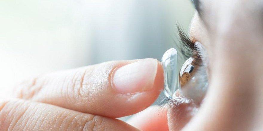 Uzmanlardan corona virüsüne karşı gözlük ve lens uyarısı: Korumuyor