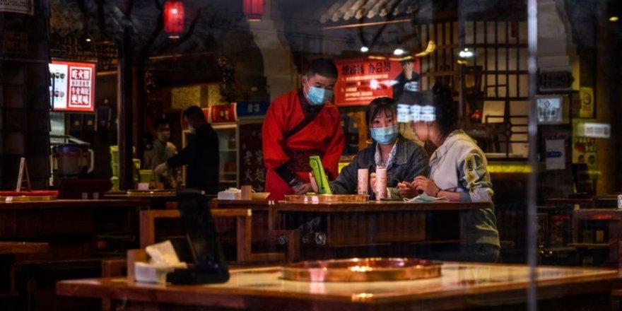 Koronavirüs, klimalı ortamda 53 dakika içinde 9 kişiye bulaştı