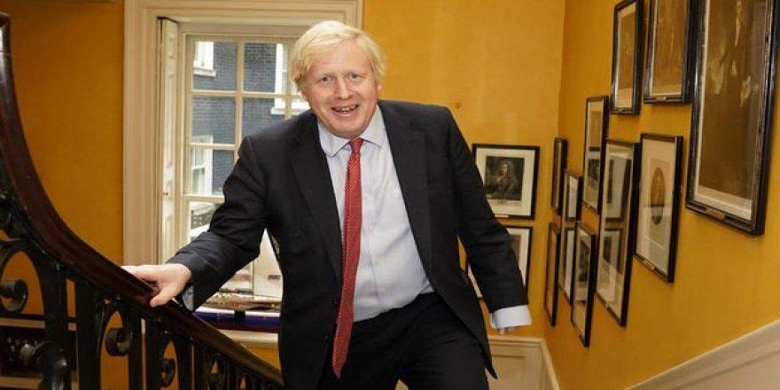 Johnson: Doktorlar ölümümü ilan etmeye hazırlandı