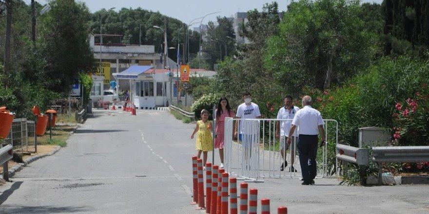 Rum yönetimi Lokmacı dışındaki 8 geçiş kapısını bugün yeniden açtı.