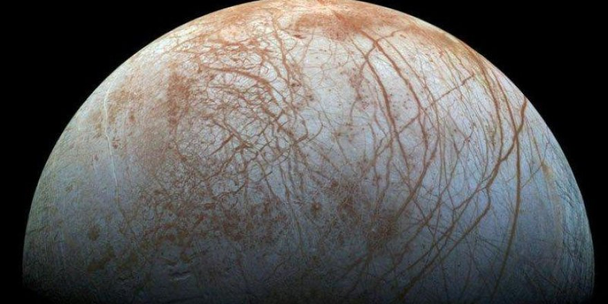 NASA'dan heyecan yaratan çalışma: Europa'nın buzul okyanusunun altında hayat olabilir