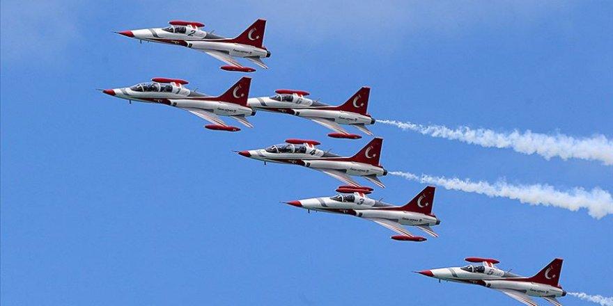 Türk Yıldızları KKTC'de selamlama geçişi yapacak