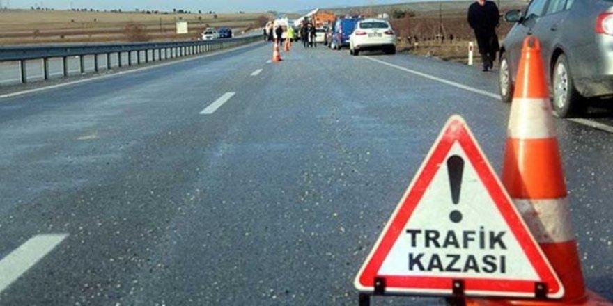 Feci kaza 1 ölü 2 yaralı!