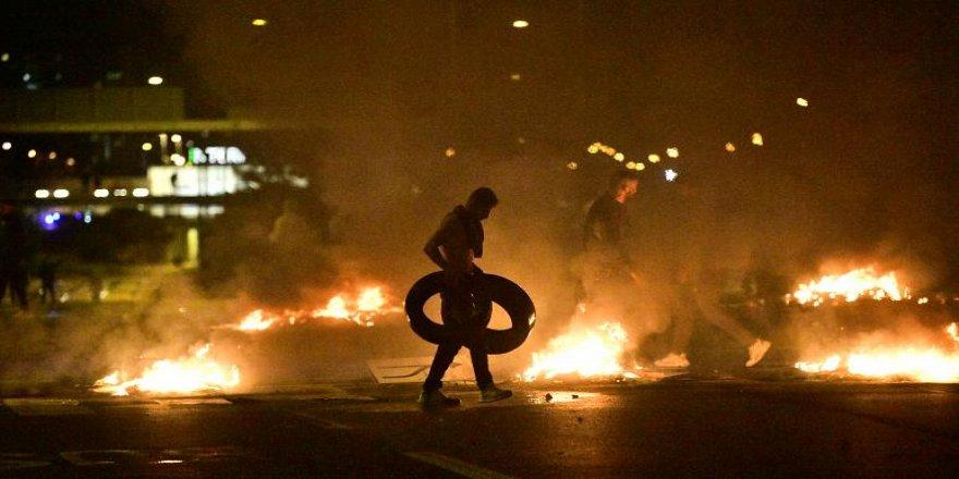 'Müslüman karşıtları' İsveç'te Kur'an yaktı: Malmö savaş alanına döndü