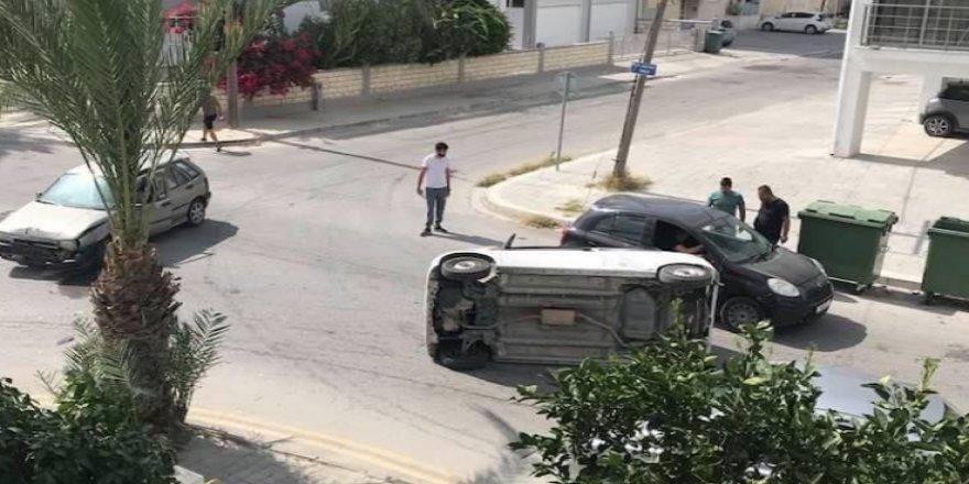 Ortaköy'de kaza! Araç yan devrildi!