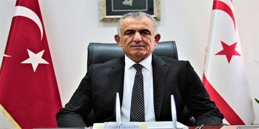 Çavuşoğlu: Bakanlığa bağlı okullarda 5 öğrenci ve 2 öğretmen pozitif
