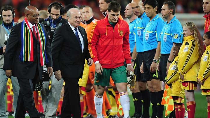 AVRUPA ADALET DİVANI'NDAN FIFA VE UEFA'YA DARBE