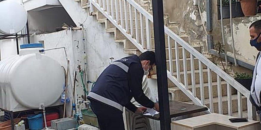 Ev karantinasında kalanlar polis tarafından denetlenmeye devam ediliyor