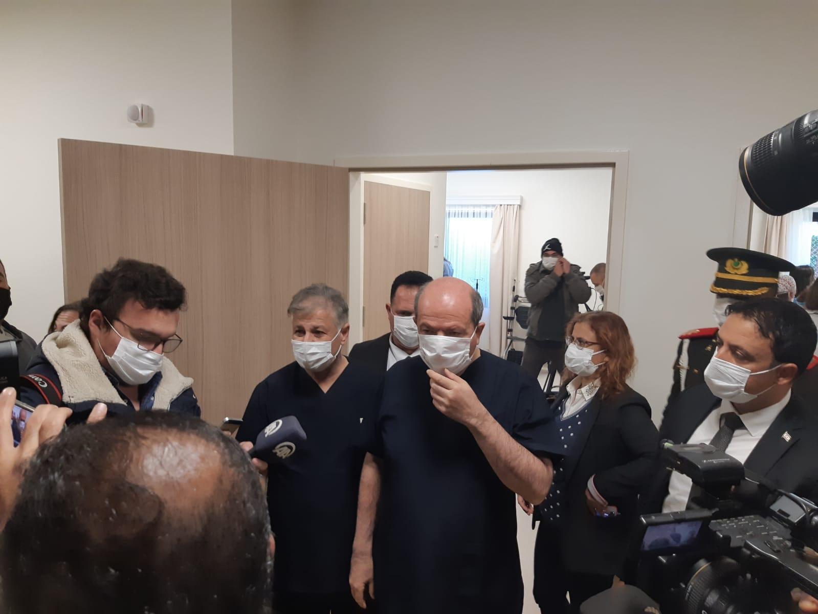 İlk aşı Cumhurbaşkanı Ersin Tatar'a yapıldı