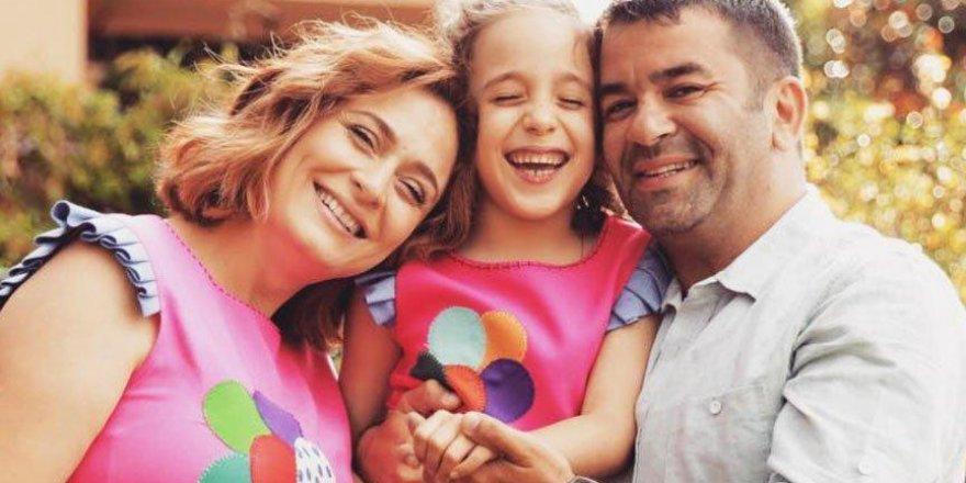 Ceyda Düvenci kızının regl olduğunu duyurdu