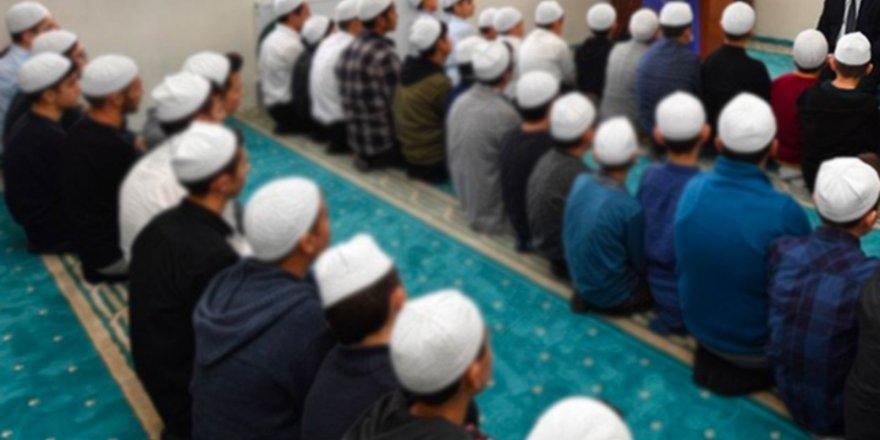 KKTC'de Kur'an kursları 'laiklik ilkesine karşı olduğu' gerekçesiyle kapatılıyor