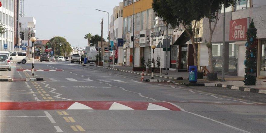 12 Kişi sokağa çıkma yasağını ihlal etti