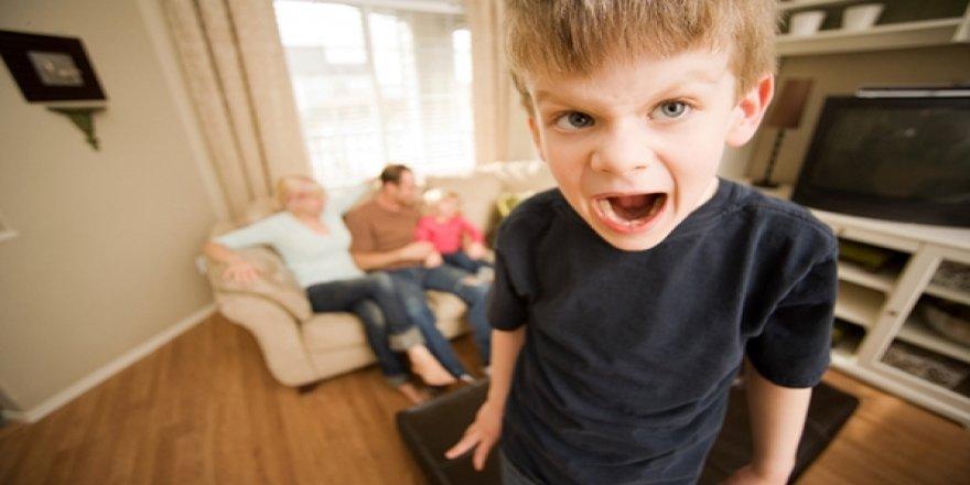 Ebeveynlerin bu tutumu çocuğa zarar veriyor!