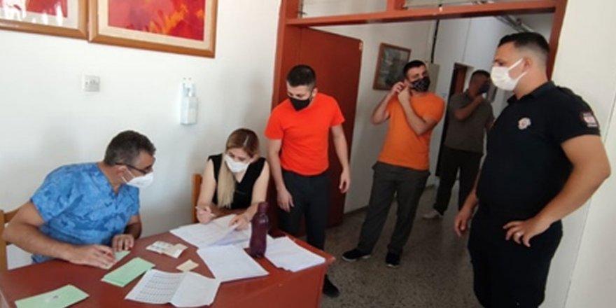 Merkezi Cezaevi'ndeki mahkum ve tutuklulara covid aşısı yapılıyor