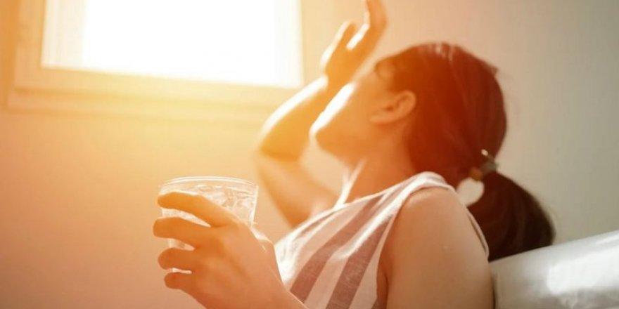 Su içmek, kaybedilen sıvıları tekrar kazanmanın en iyi yolu mu?