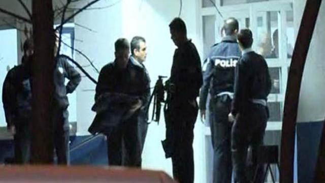 İZMİR'DE KARAKOLA BOMBALI SALDIRI