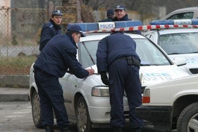 POLİS MOTOSİKLETİN LASTİĞİNE ATEŞ ETMEYE ÇALIŞIRKEN SÜRÜCÜYÜ VURDU