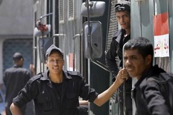 FRANSA, MISIR'DA 25 POLİSİN ÖLDÜRÜLMESİNİ KINADI