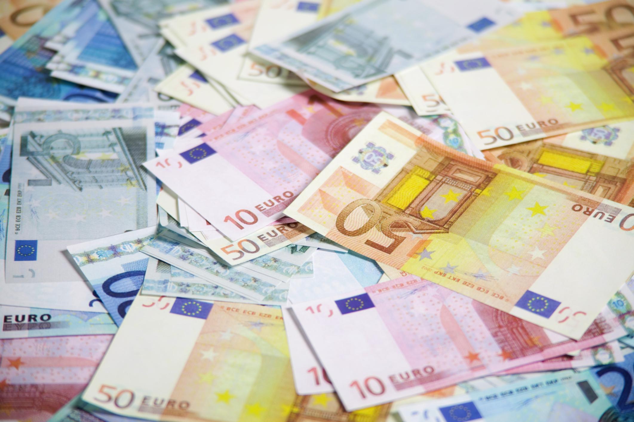 MEVDUATLARDA 956 MİLYON EURO'LUK AZALMA